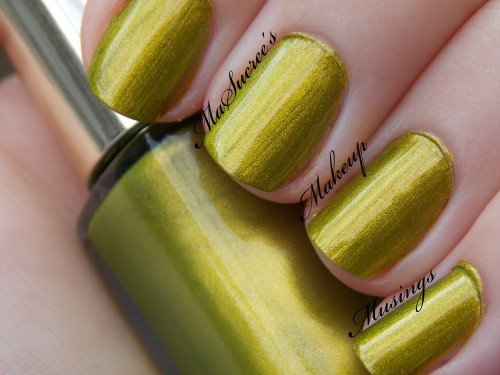LOREAL Majestic Green Swatch MMM