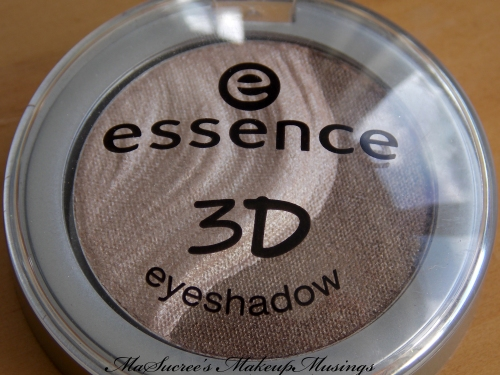 Essence 3D shadow case closed