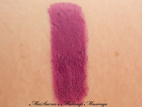 MAC Pure Heroine Hand Swatch