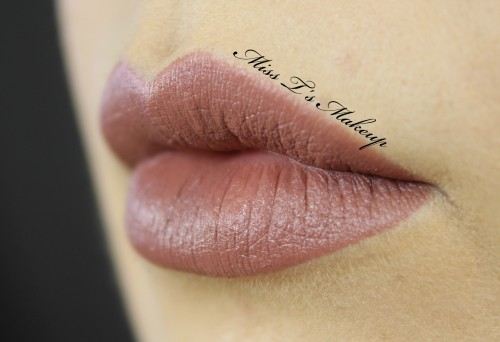 MAC Whirl Lip